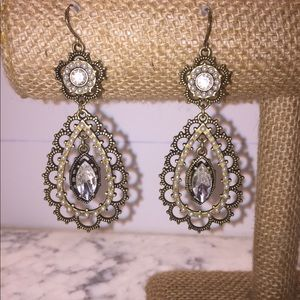 NWOT Chloe + Isabel Earrings